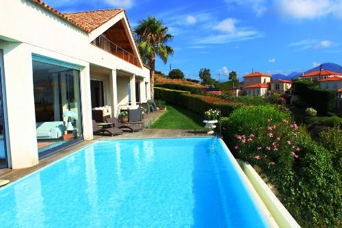 A Vendre Villa 215 M Piscine Et Garage Route De Bellet
